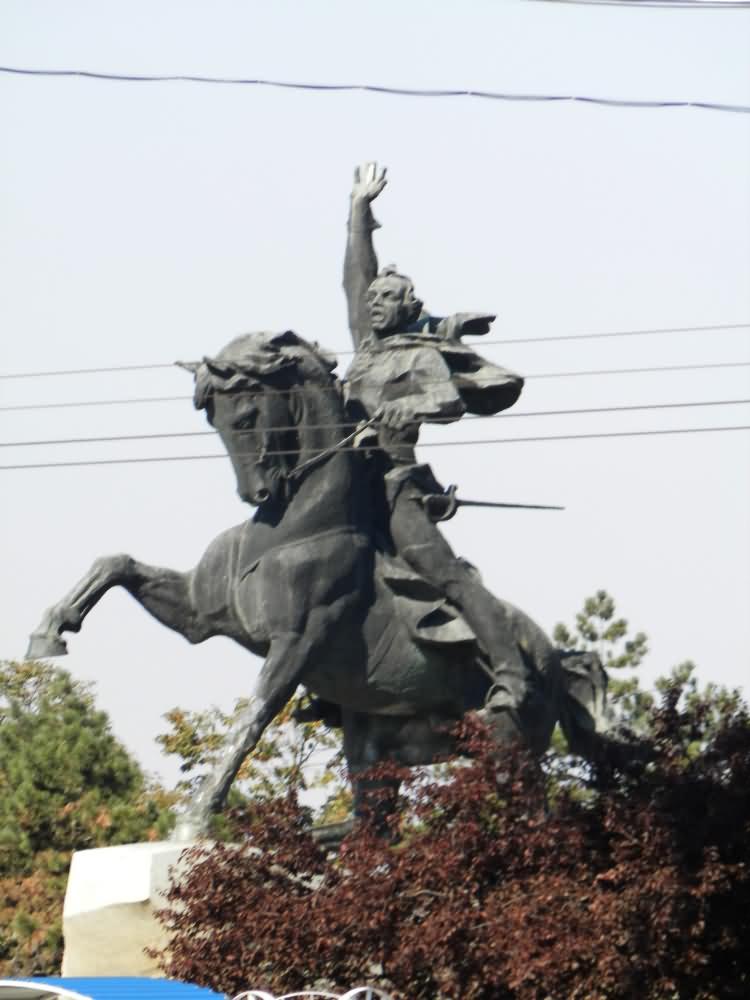 1. Памятник А. Суворову. Тирасполь.